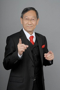Ernest Chen, Singapore Public Speaking Coach, Standing Studio Photo
